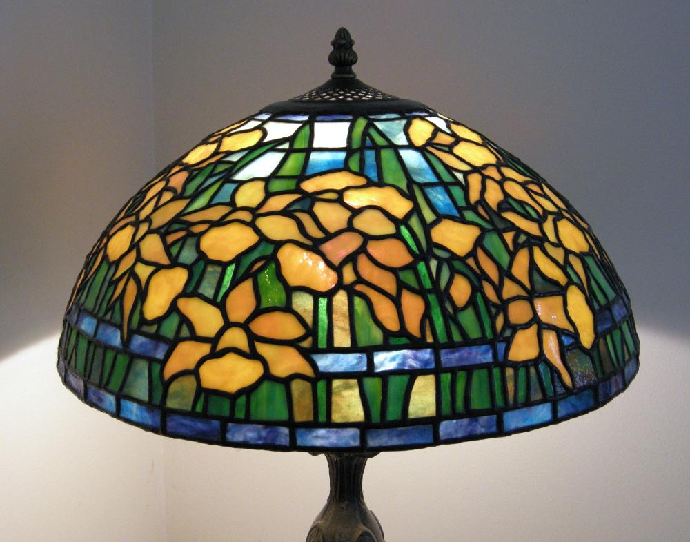 Tiffany-Stained-Glass-Lamp