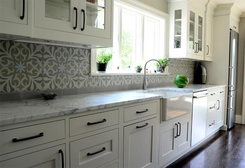 12-ladrilho-hidraulico-parede-cozinha