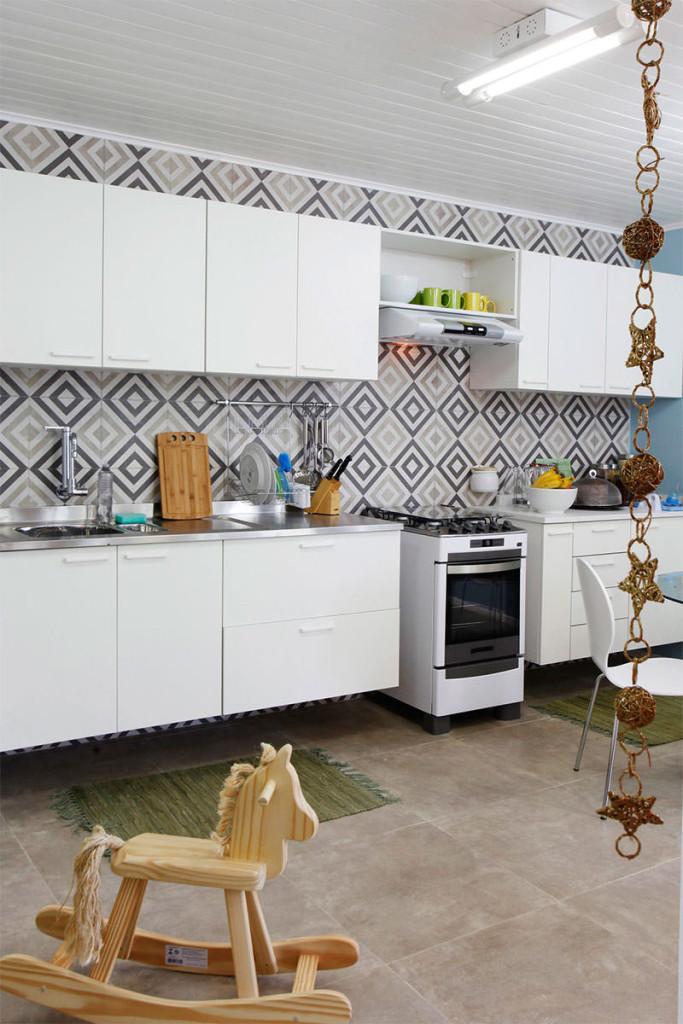 16-ladrilho-hidraulico-parede-cozinha