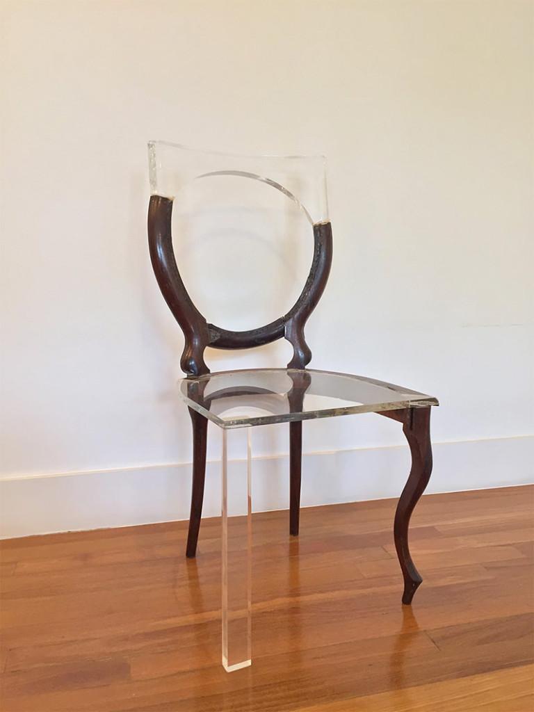 04-cadeira-acrilico-madeira