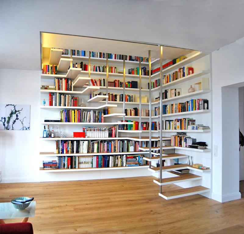 3-escada-branca-degraus-e-prateleiras