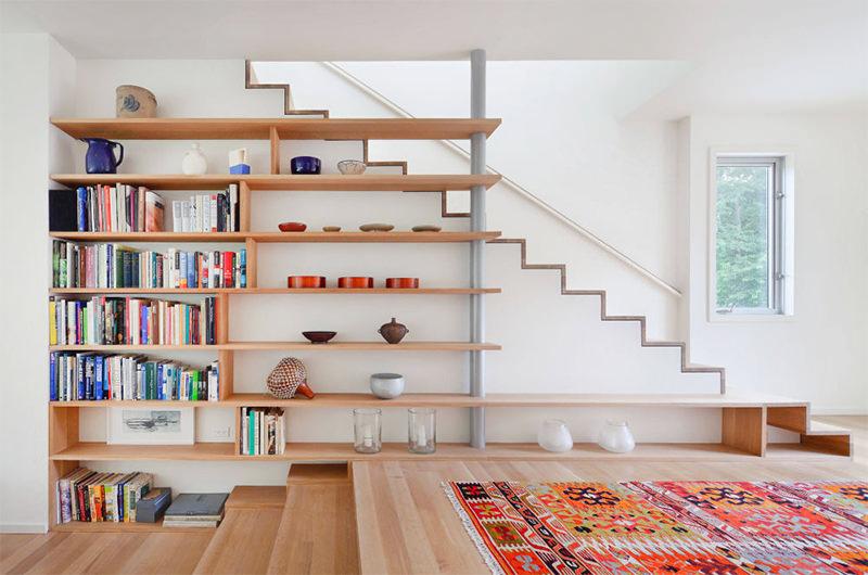 9-escada-ao-lado-da-estante