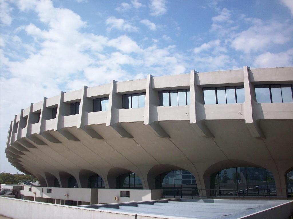 kenzo-tange-olympic-stadium-tokyo-06